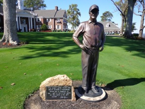 DSC03147Pete Dye Statue at FLR DS