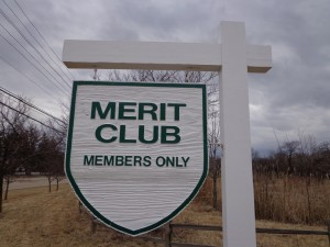 DSC06290 Merit Club sign 2 DS