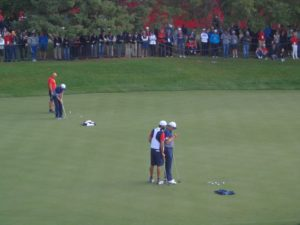 dsc07458-spieth-and-caddie-on-green-ds